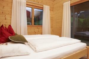 Holz100 im Schlafzimmer2
